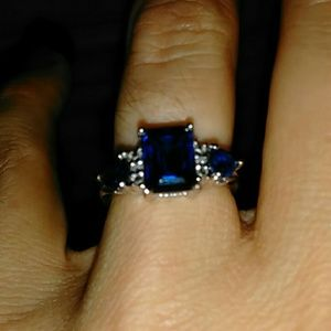 Lab created sapphire ring in sterling silver sz 6
